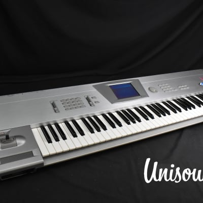 Korg Trinity V3 pro (w/ MOSS feature) in very good Condition [Version 3.0.0]