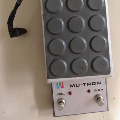 Musitronics Mu-Tron C-200 Wah and Volume pedal for sale