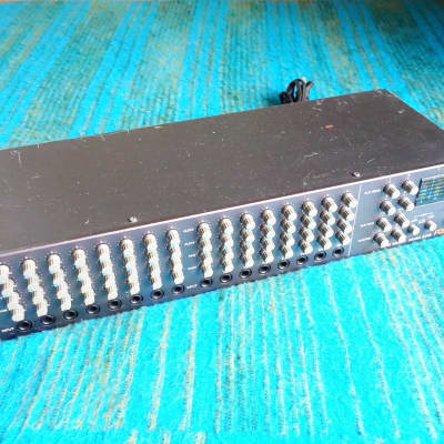 Fostex Model 2016 16 Channel Line Mixer - 2U Rack Mixer - E257