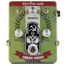 McCaffrey Audio Green Vodka Muff Fuzz Russian Big Muff Style Guitar Effect Pedal