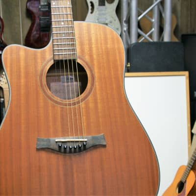 Giannini Electric Acoustic Left Hand Satin Natural for sale