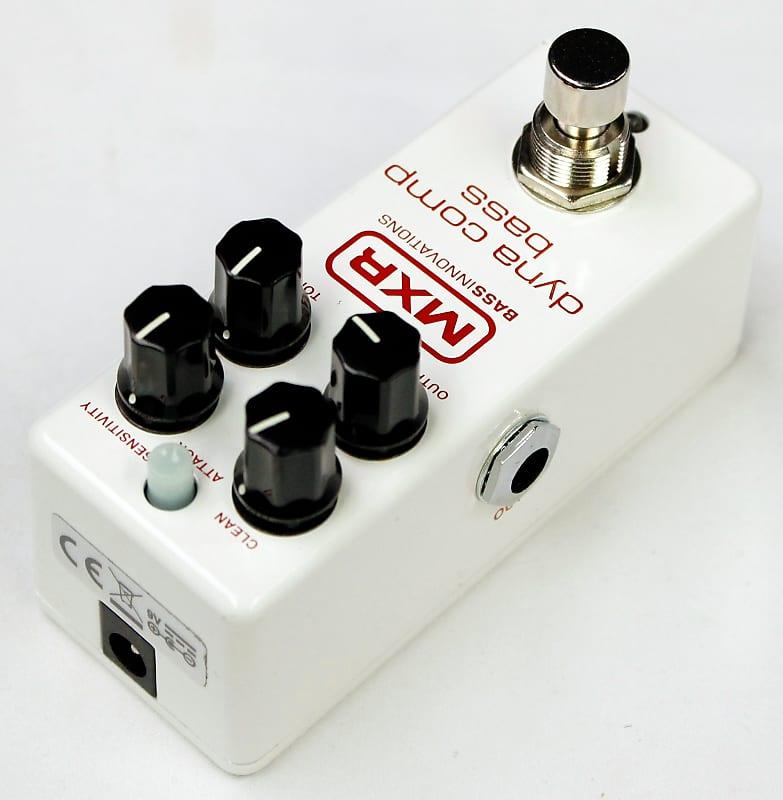 mxr dyna comp bass guitar compressor effects pedal demo reverb. Black Bedroom Furniture Sets. Home Design Ideas