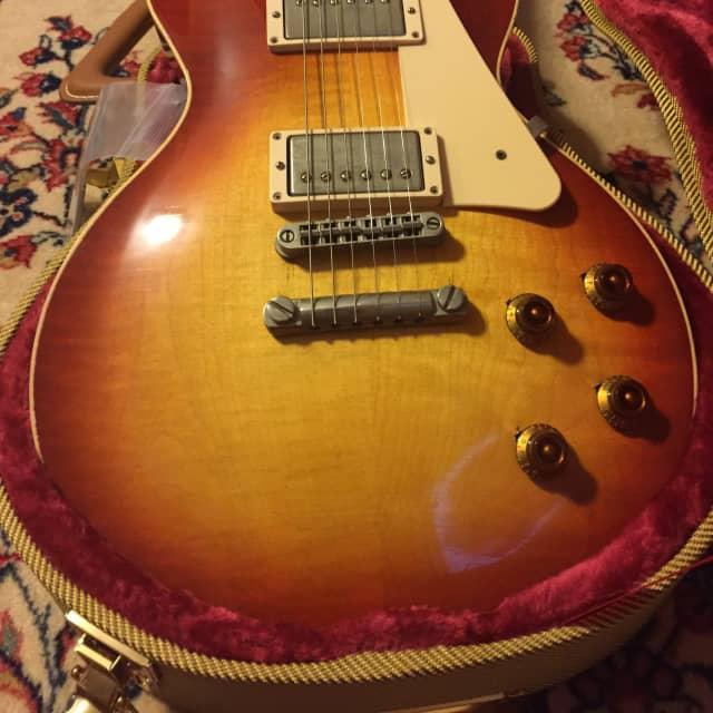 Rock N Roll Relics Heartbreaker Cherry Burst (Light Relic) image