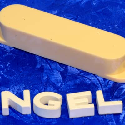 Replacement Aged White Pickup Cover For Mustang Duo-Sonic Musicmaster