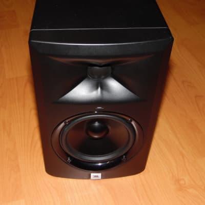 JBL LSR305 Active Studio Monitor (Single)