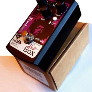 Hot Box Pedals HB-VB5 Jimi Vibe Chorus