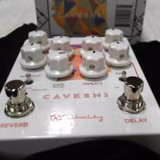 Keeley Electronics Caverns V2