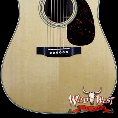 Martin Standard Series D-28 Dreadnought Acoustic Guitar Natural