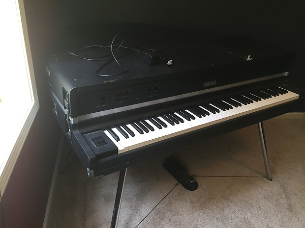 yamaha cp80 m suitcase piano electric midi keyboard in