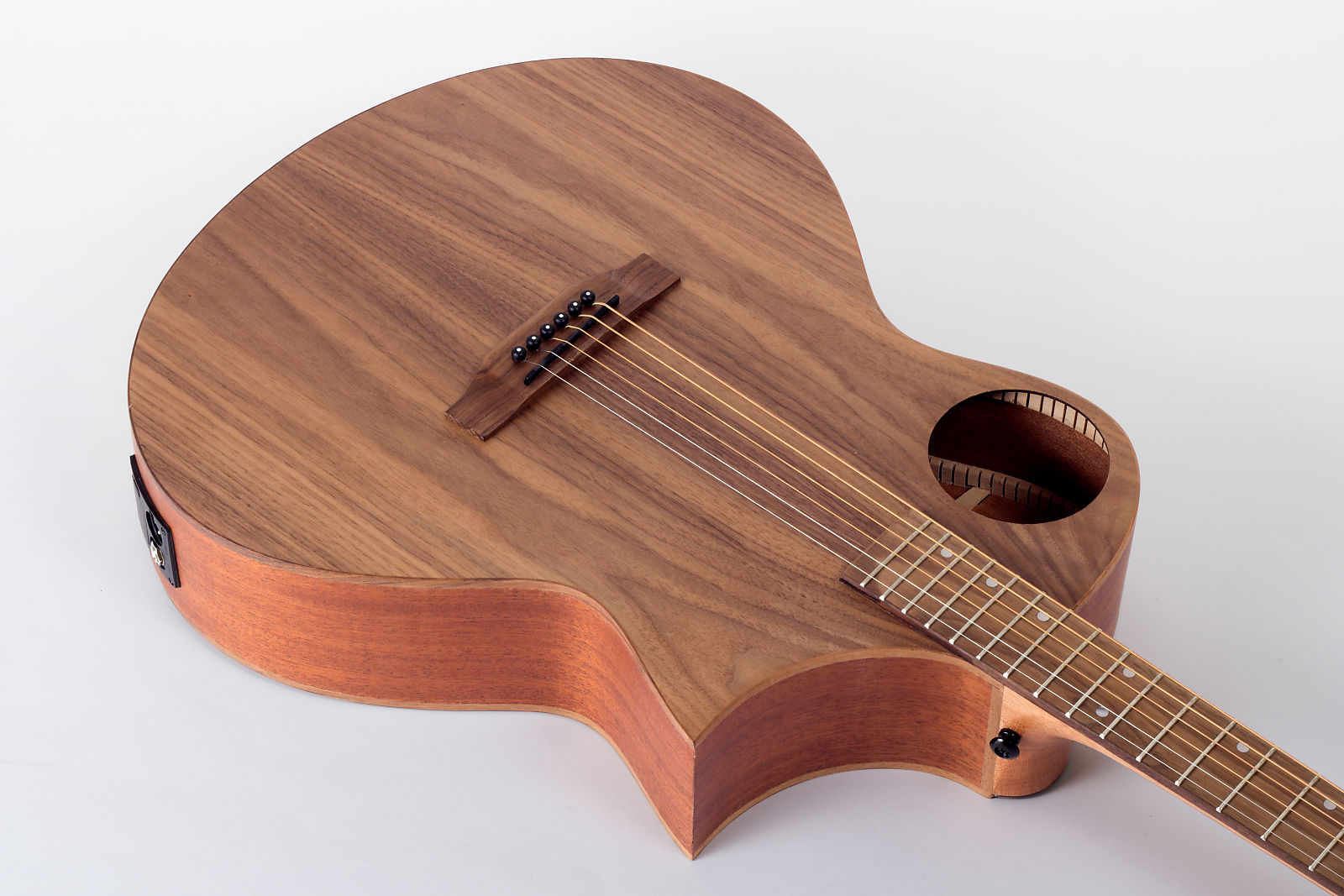 Lindo Neptune Se Black Walnut Electro Acoustic Guitar With Preamp Guitars & Basses