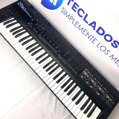 Roland D-50 61-Teclas Linear Synthesizer Latino