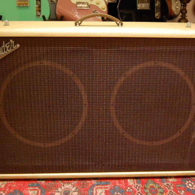 Fender Fender Tonemaster Cabinet 212 CreamBacks Creme for sale