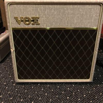 """Vox AC4HW1 Hand-Wired 4-Watt 1x12"""" Guitar Combo"""
