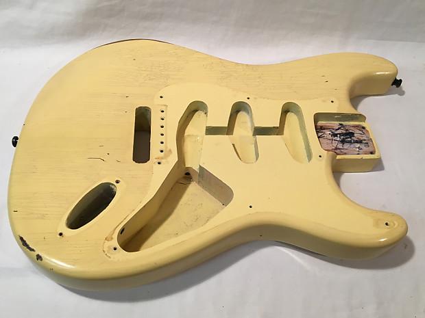 Relic Fender Vintage White Nitro 57 Reissue Stratocaster Body