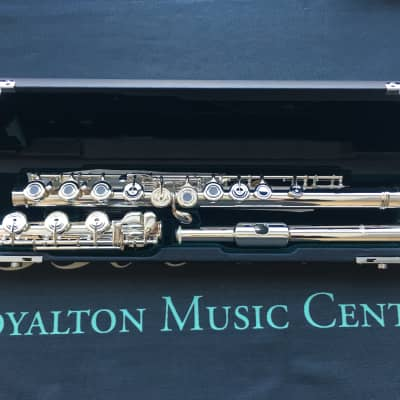 Azumi AZ2SRBO Professional Open Hole Flute, Solid Silver Head Joint, Plated Body, Offset