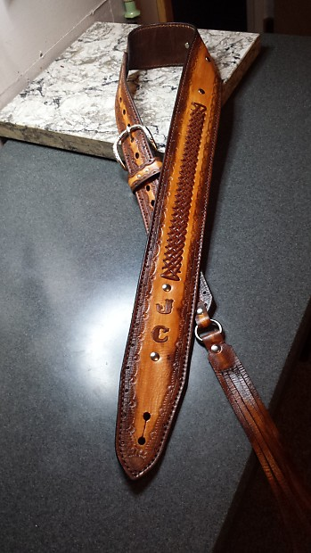 """CUSTOM MADE GENUINE LEATHER BROWN GUITAR STRAP YOUR INITIALS OR NAME 2 1//2/"""" WIDE"""
