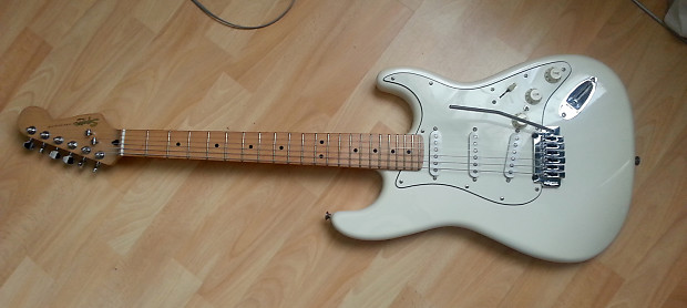 squier deluxe stratocaster pearl white with seymour duncan reverb. Black Bedroom Furniture Sets. Home Design Ideas