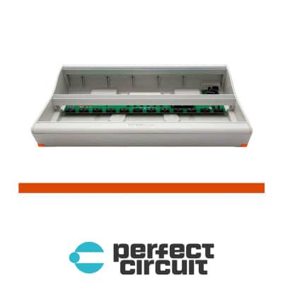 Tiptop Audio Mantis Powered Eurorack Case - 208HP (Orange)