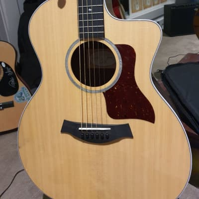 Taylor 214 ce cf Grand Auditorium Electric Acoustic Guitar 2018 Natural Gloss            priced For Quick Sale.   ☹Lost My Job CAUSE OF COVID🙁