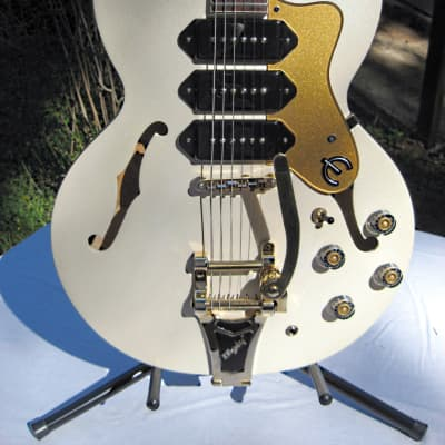 Epiphone Limited Edition Riviera Custom Royale P93 Electric Guitar Pearl White for sale