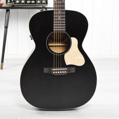 Art & Lutherie Legacy QIT   Faded Black