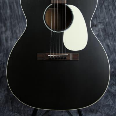 Martin 000-17 Black Smoke