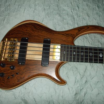 Alembic Rogue 5 String Bass Bocate Top  w OHSC Europa Electronics for sale