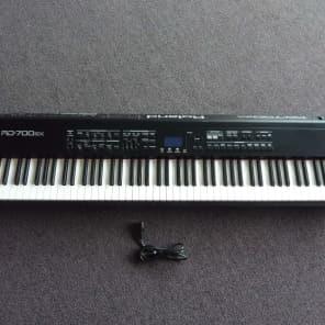 Roland RD-700SX 88-Key Digital Stage Piano