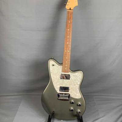 Fender  Toronado  Pewter with Gig Bag for sale
