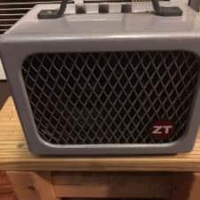 ZT Amplifiers Lunchbox Junior micro guitar amp