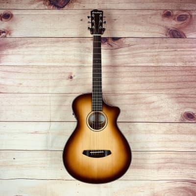 Breedlove Discovery Concertina CE Acoustic-Electric Guitar Sunburst