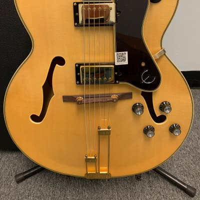 Epiphone Broadway Hollowbody Electric Guitar Natural w/Case