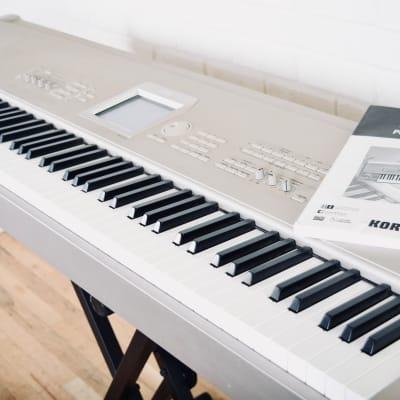 Korg Triton Studio 88 key piano keyboard synthesizer near mint w/ manual