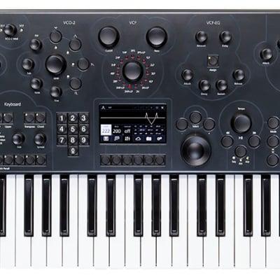 modal electronics 002 sound programming. Black Bedroom Furniture Sets. Home Design Ideas
