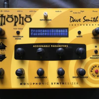 Dave Smith Instruments Mopho Desktop Analog Synthesizer