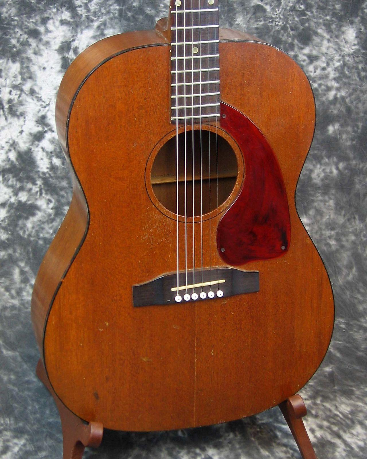 Vintage 1964 model Gibson LG-0 acoustic guitar