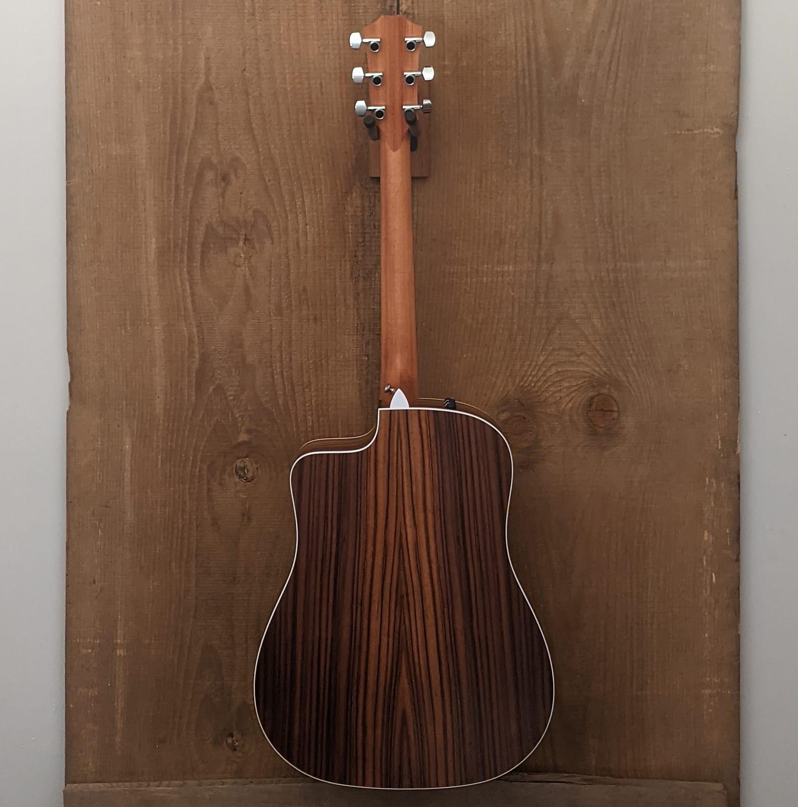 Taylor 210ce Dreadnought Acoustic Guitar Natural