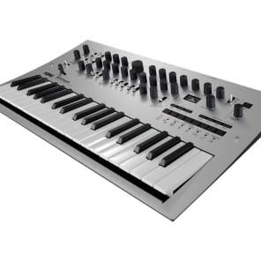 Korg Minilogue - Polyphonic Analogue Synthesizer