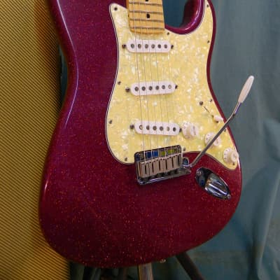 Fender American Classic Stratocaster 1995 Magenta Sparkle for sale