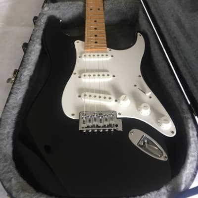 Peavey  Predator (made in USA) Stratocaster Free hard case for sale