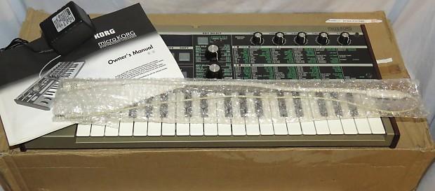 Korg MicroKorg Analog Modeling Synthesizer/Vocoder Keyboard w/Mic & Man in  Orig Box!