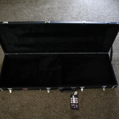 Gator GW-BASS Bass Case w/ Tags