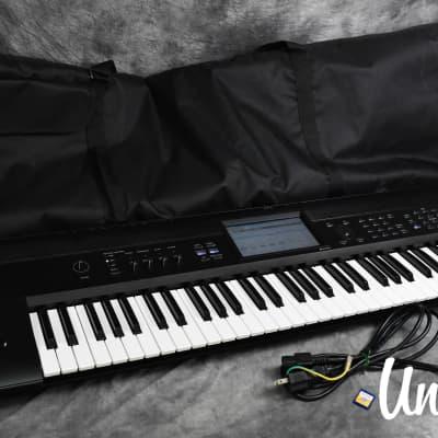 Korg Krome 73-Key Synthesizer Music Workstation in Excellent [Version: V1.0.3]