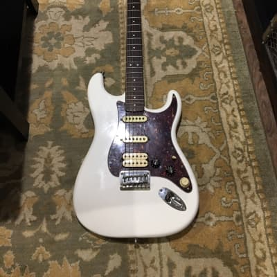 Squier  Hardtail Bullet Strat  White with Upgrades