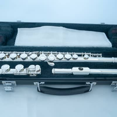 Yamaha YFL-221 Silver-plated Student Flute Made in Japan *Cleaned & Serviced