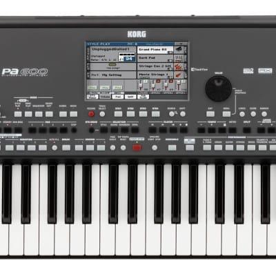 Korg PA600 Entertainer Keyboard, Pa600, 61 Tasten