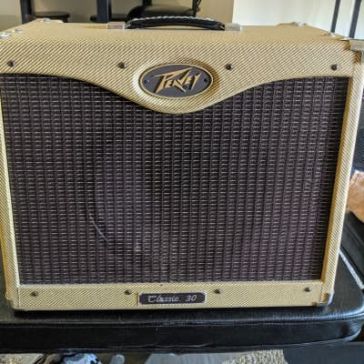 """Peavey Classic 30 30W 1x12 Guitar Combo Amp with Eminence Texas Heat 12"""" Speaker  and Footswitch"""