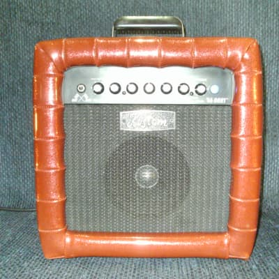 Kustom 40th Anniversary Limited Edition 66 Dart Guitar Amp Red Sparkle