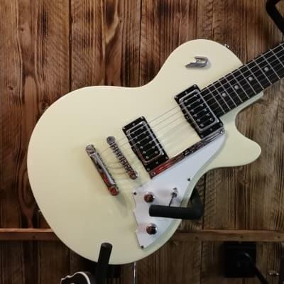 Duesenberg Starplayer Special Vintage White E-Guitar + Case