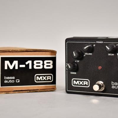 MXR M-188 Bass Auto Q Envelope Filter Auto Wah Effect Pedal